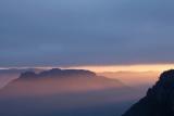 Sunburst at dawn, Wolgan Valley